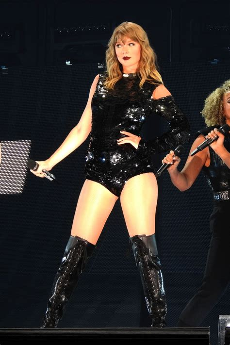 TAYLOR SWIFT Launches Her Reputation Tour in Glendale 05
