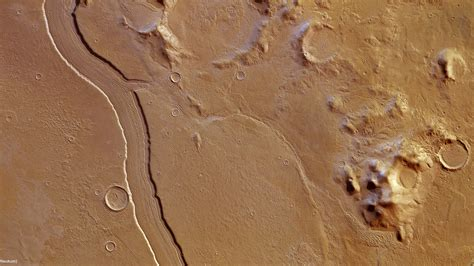 Scientists Discover Spectacular River On Mars | Gizmodo